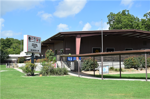 photo of front of Belton Christian Youth Center